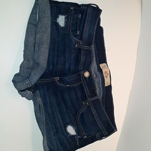 Hollister short-story size 15 waist 32